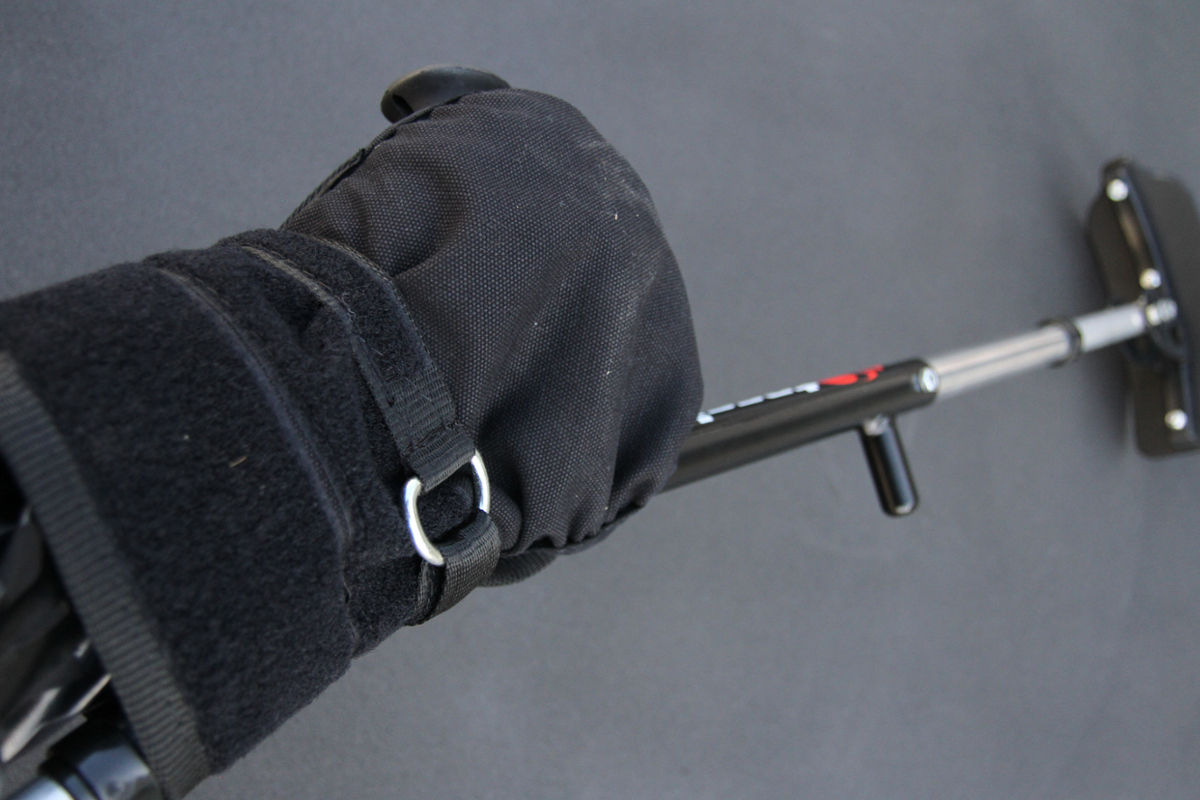 Perfect gloves for tetraplegic or people who need help to grip handles