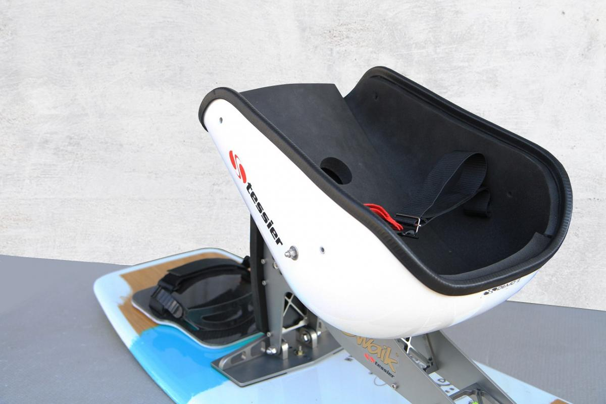 Tessier seat for wake